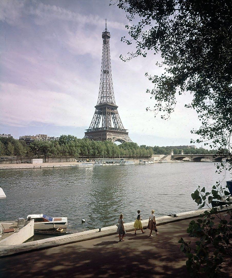 Tour Eiffel 1960, Paris, France